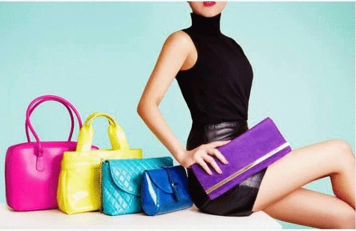 Nettoyer sacs pochettes et valises en cuir en daim en satin en simili cuir en toile en - Nettoyer un sac en cuir ...