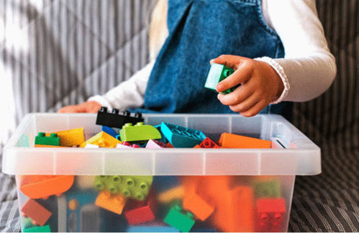 Nettoyer les jouets en plastique