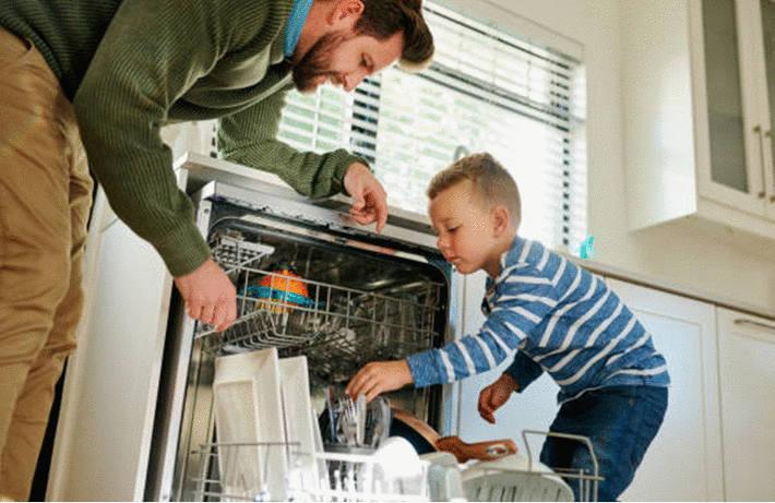 lave vaisselle le choisir le nettoyer l 39 utiliser et pannes toutpratique. Black Bedroom Furniture Sets. Home Design Ideas