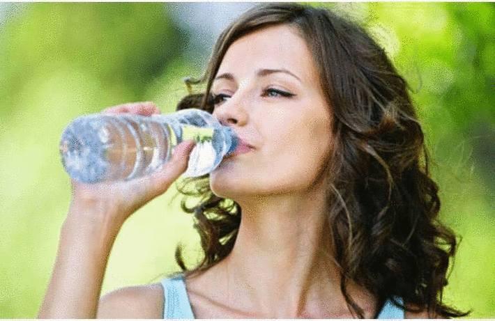 Boire de l'eau pour aller mieux