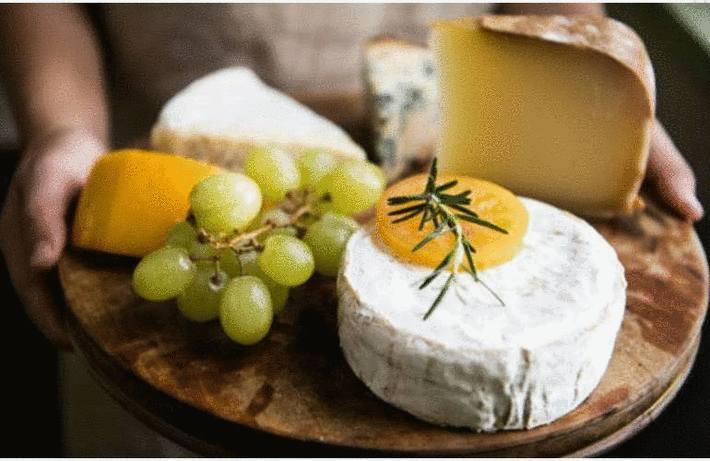 Servir fromage et dessert