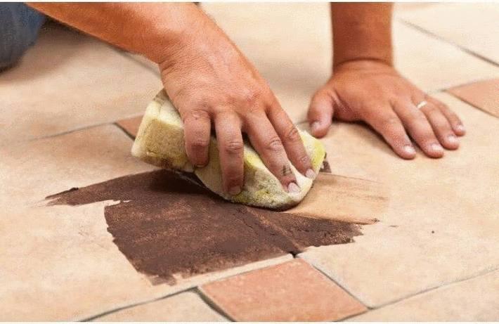 Enlever une tache sur la terre cuite