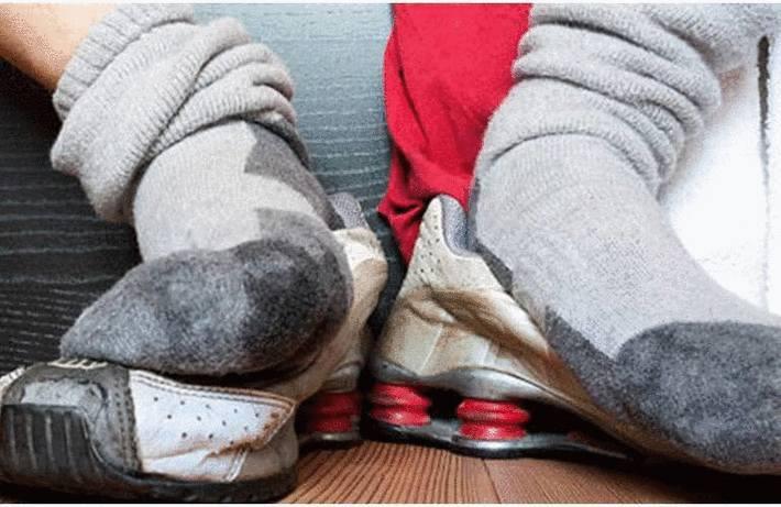 Récupérer des chaussettes sales