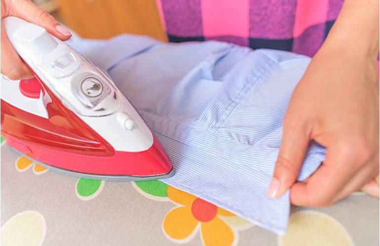 Repasser chemise ou chemisier