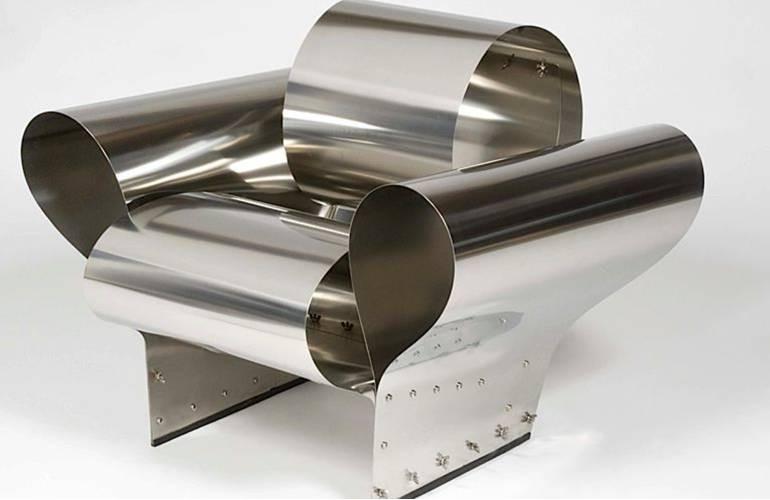 Nettoyer un meuble en métal chromé