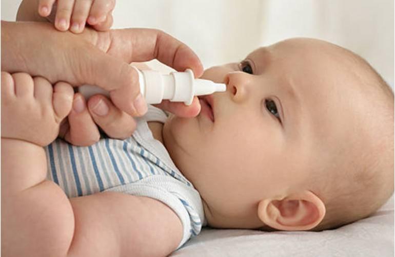 Moucher un bébé enrhumé
