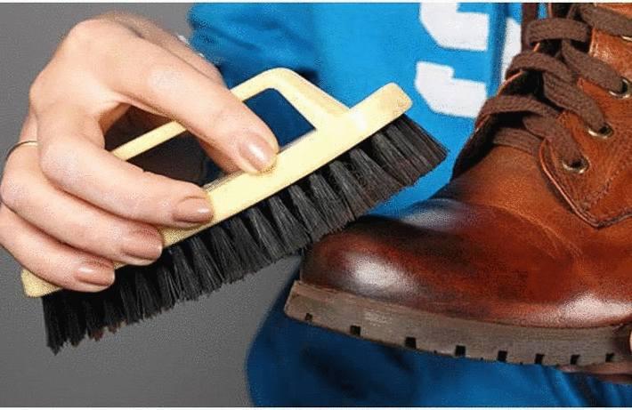 Enlever les taches sur des chaussures en cuir