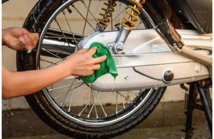 Nettoyer une moto