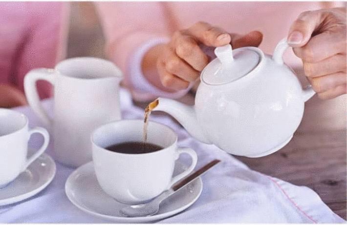 Tache de thé