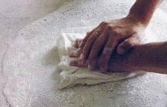 nettoyer une tache de gras sur le marbre tout pratique