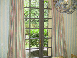 nettoyage du papier peint tout pratique. Black Bedroom Furniture Sets. Home Design Ideas
