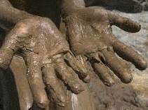 Tache de boue ou de terre tout pratique - Enlever tache de peinture seche sur vetement ...