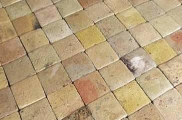 Nettoyage tommettes et briques de bourgogne tout pratique - Comment nettoyer une pierre blanche de cheminee ...