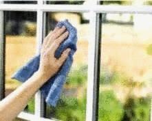 enlever une tache de peinture sur une vitre tout pratique. Black Bedroom Furniture Sets. Home Design Ideas