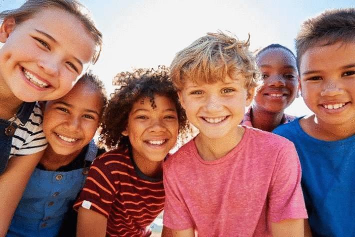 Journée- de -l-enfant-droit-des-enfants-droit-enfant-les-droits- de- l-enfant-Aider -les- enfants