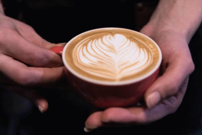 comment servir le café