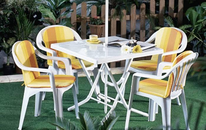 nettoyer meubles jardin plastique