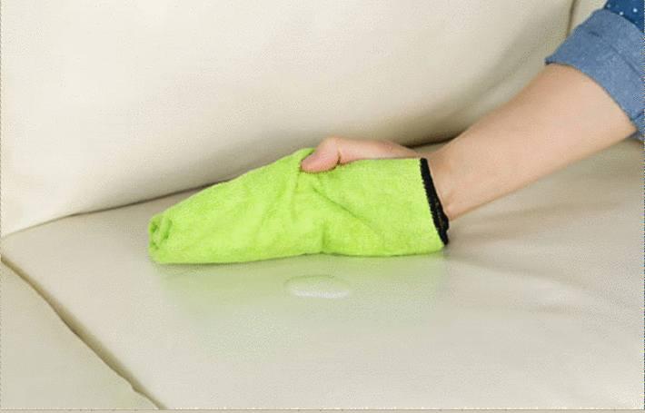 comment nettoyer un canap blanc en simili cuir tout. Black Bedroom Furniture Sets. Home Design Ideas