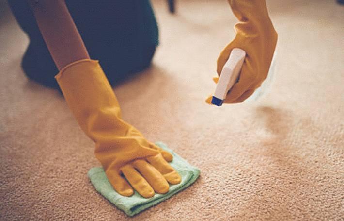 quelqu'un enleve une tache sur tapis