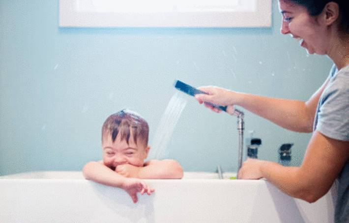 comment enlever les taches sur la baignoire