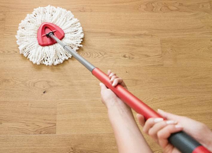 comment nettoyer un parquet brut