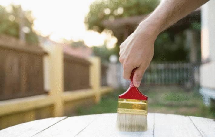 Comment peindre chaise ou table de jardin en PVC - Tout pratique