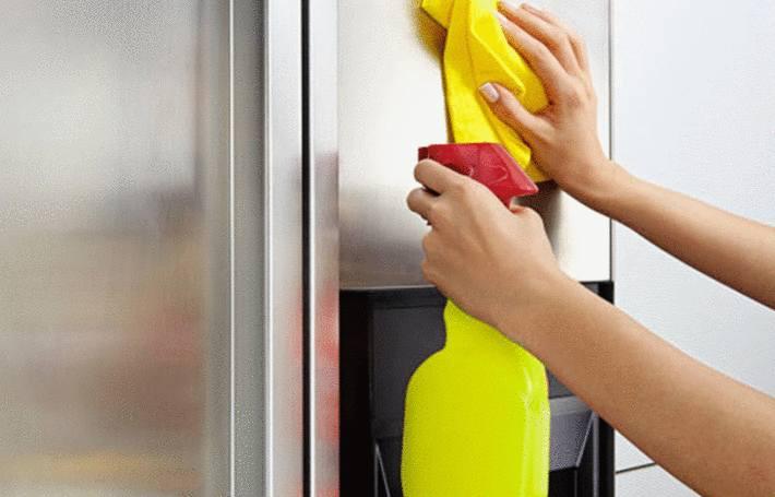comment nettoyer l'extérieur du frigo