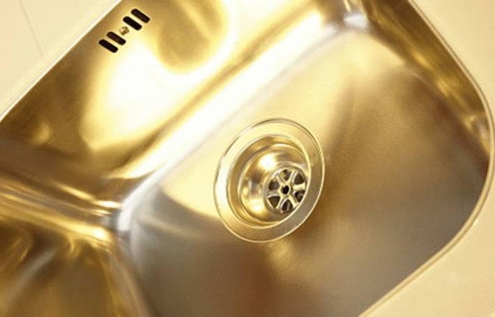comment entretenir un lavabo en métal
