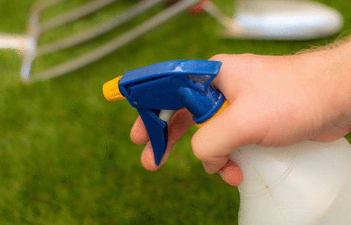 comment enlever la mousse sur la pelouse