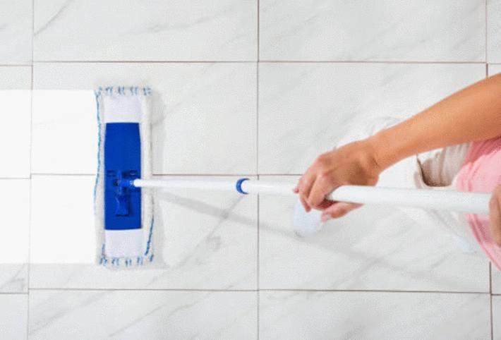 comment nettoyer le carrelage sans laisser de traces
