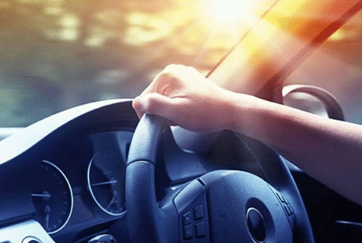 comment entretenir le pare brise de la voiture
