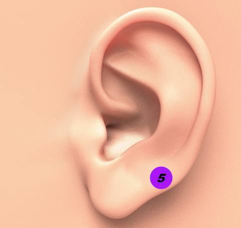 accrocher une pince à linge sur l'oreille