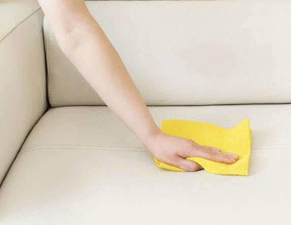 Comment renover un canapé en cuir blanc griffé
