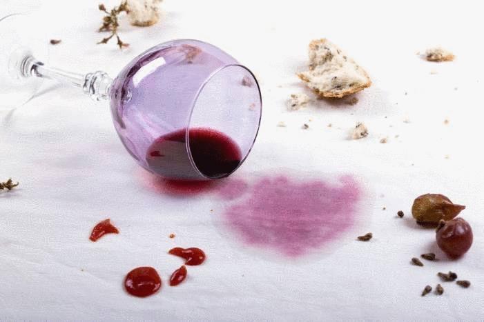 tache de vin sur nappe