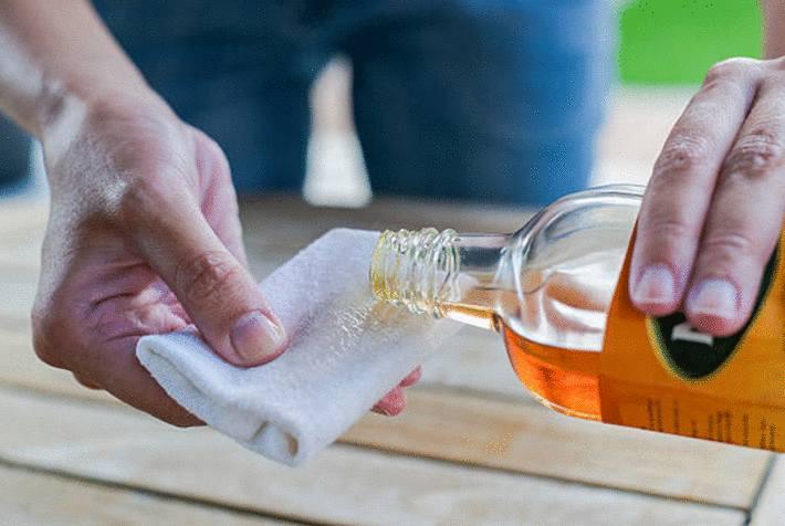 huiler-parquet-huiler-bois-comment-huiler-bois-astuce-pour-huiler-bois-huile-pour-parquet-méthode-pour-huiler