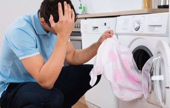 Comment laver une robe noire et blanche