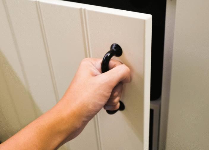 enlever la mauvaise odeur dans un meuble tout pratique. Black Bedroom Furniture Sets. Home Design Ideas