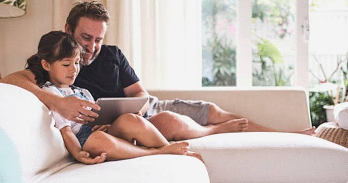quels sont les meilleures astuces pour nettoyer un canape. Black Bedroom Furniture Sets. Home Design Ideas