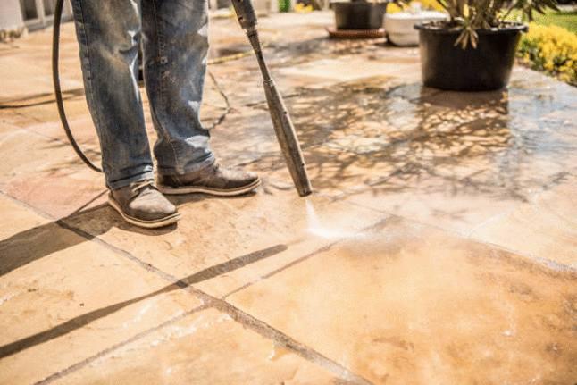 comment nettoyer sa terrasse en béton
