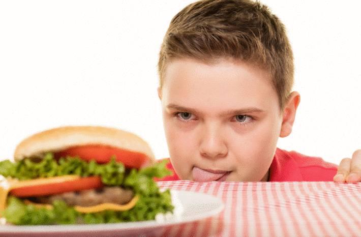 10 conseils pour éviter à un enfant de trop grossir