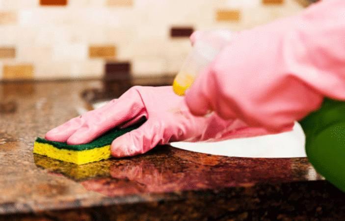 Comment nettoyer un plan de travail en granit - Tout pratique
