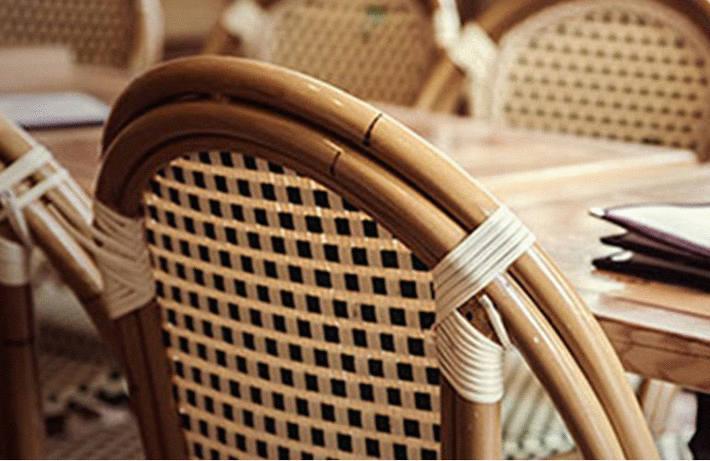 Nettoyer les chaises cannées