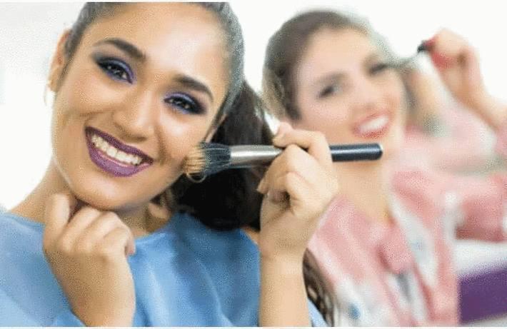 Nettoyer pinceau et éponge pour le maquillage