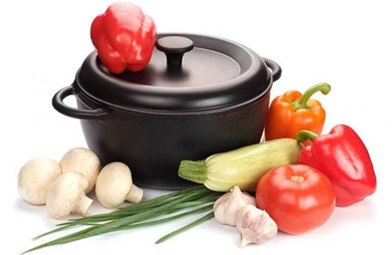 Nettoyer casserole, cocote et marmite en fonte