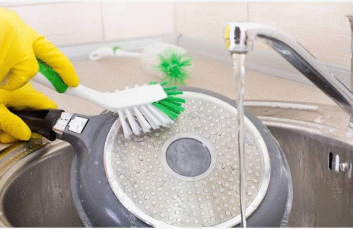 Comment nettoyer une poêle, brulée ou non