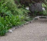 Nettoyer une terrasse en dalles gravillons - Tout pratique